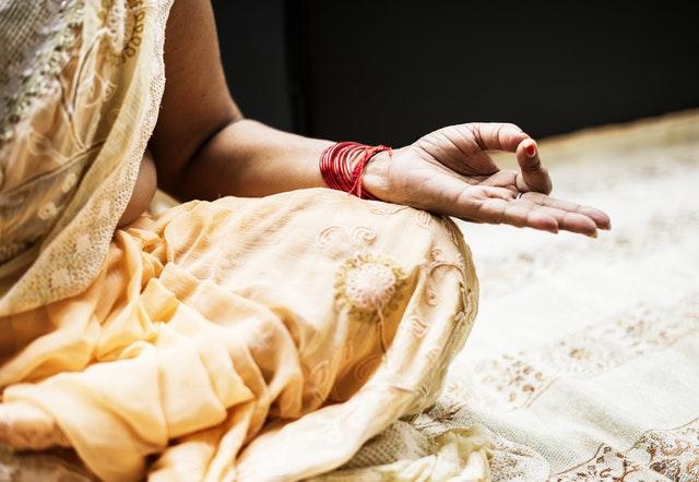 Comment méditer chez soi: 9 conseils pour les débutants