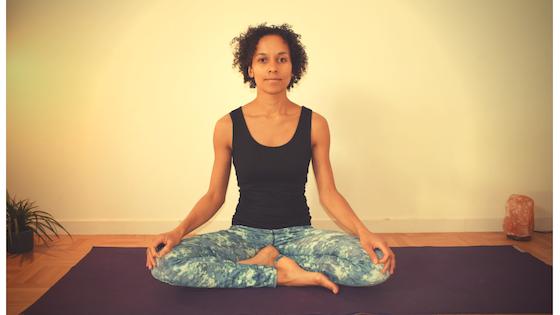 5 postures essentielles pour un matin plein d'énergie